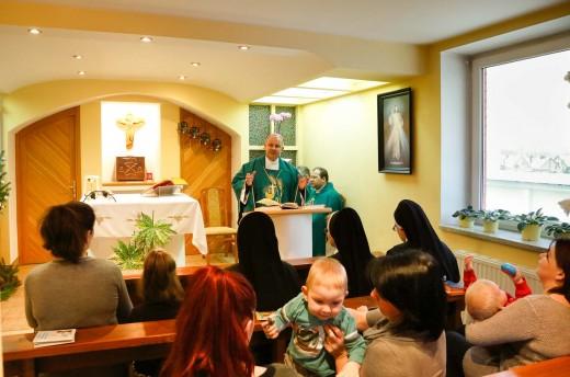 Msza Święta w Domu Matki i Dziecka